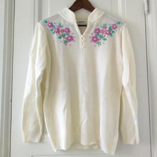 Älskar den här tröjan! Superfin till allt (men har för mkt kläder)