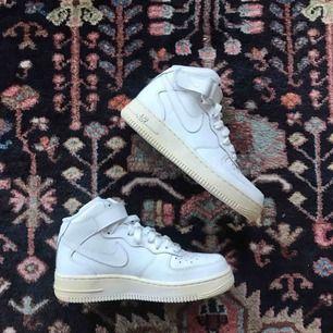 Aldrig använda Nike Air Force 1 Mid! Frakt: 95kr