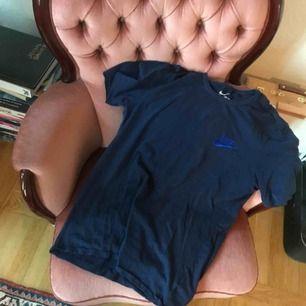 Nike tröja unisexmodell, använd en eller två gånger! Frakt: 42kr