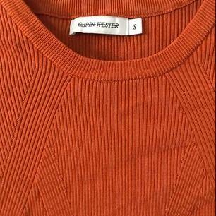 Carin Wester tröja - aldrig använd!🌼 Storlek S men passar M och kanske tom L 🌸 Säljer pga använder inte och lite för stor🥵