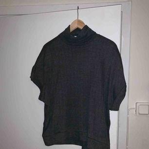 Snygg t shirt med krage från zara! Aldrig använd🌸
