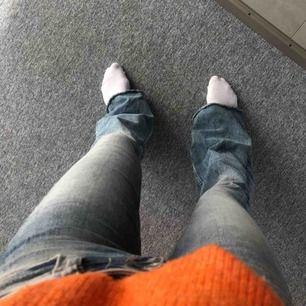 Sjukt snygga bootcut/flare-jeans från Zara!!🤩 skriv om ni har frågor!💕