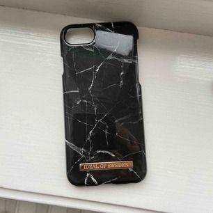 iPhone 7 skal från Ideal of Sweden. Frakten är inkluderad i priset. Betalning med swish.