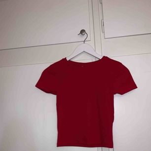 Snygg t-shirt från Gina tricot