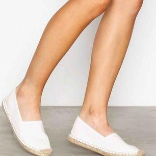 Espradillos från NLY shoes. ALDRIG använda, inte ens haft en fot i då de var för små för mig! Tunna o svala. 🙌🏼