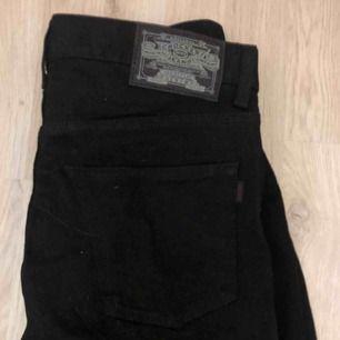 Svarta jeans från crocker i gott skick, skriv för mer info och bilder!