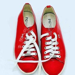 Nero giardini röda skor- fint skick