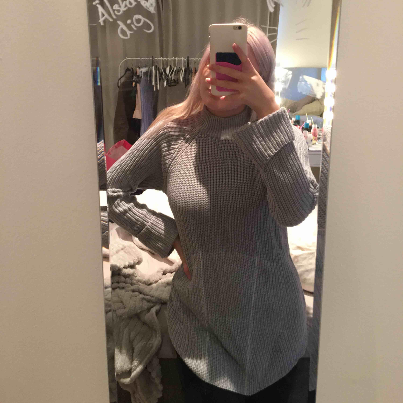 Jätte fin tjocktröja från Gina tricot, använd ca 1 gång, jätte fint skick. Köparn står för frakten <3. Huvtröjor & Träningströjor.
