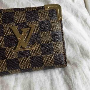 Louis Vuitton kopia plånbok!! Aldrig använd så den är i mycket bra skick🤩
