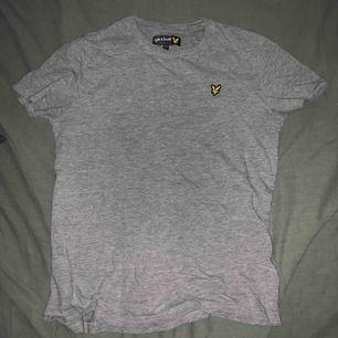 Skitsnygg T-shirt från kidsbrandstore. Knappt använd!