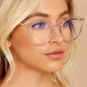 Söker sånahär clear glasögon utan styrka