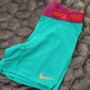 Nike cykelbyxa i xs, frakt ingår i pris