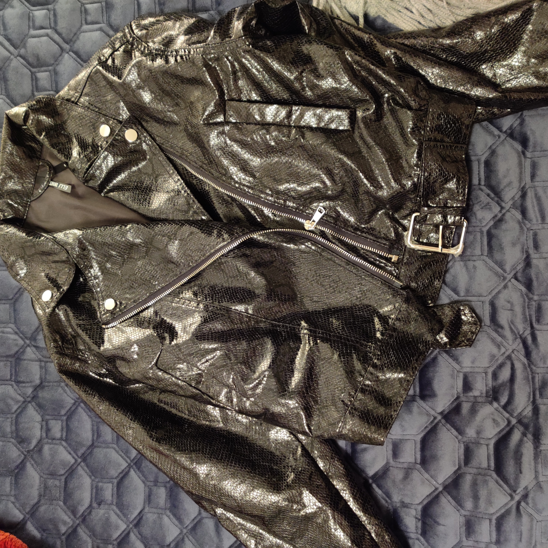 Fin fake skin jacka, lite tunnare i modellen från elli white, STL S, frakt 50. Jackor.