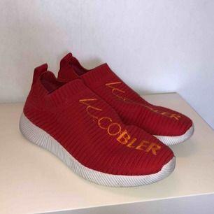Jättesköna skor från K. Cobler med memory foam sula. Säljes pga används aldrig.