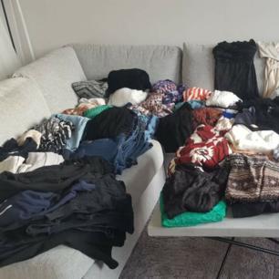 Håller på att rensa inför en utlands flytt, kommer att lägga upp massa kläder för ett billigt pris. Kan samfrakta och det går även bra att hämta det på söder i Stockholm där man kan fynda mer hemma hos mig! 🌟