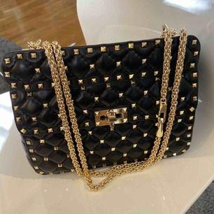 Valentino liknande väska, ny skick!