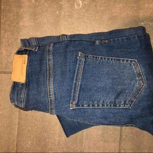Fina molly jeans från Gina tricot high waste. Köptes för 300kr