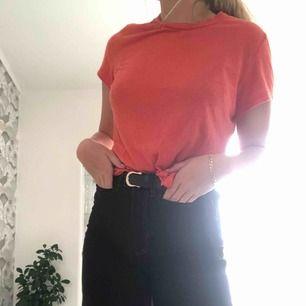 Fin tröja från bikbok sällan använd och bra kvalité. Är i strl M men ganska liten i storleken och skulle även passa s-XS
