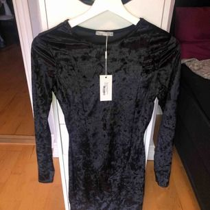 Helt ny klänning från nelly med prislapp kvar