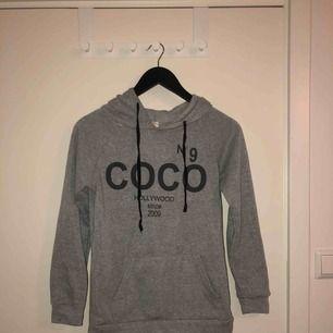 Passar även XS, Coco hoodie