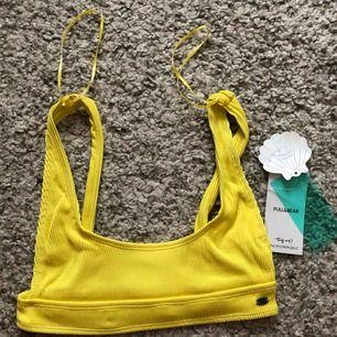 Helt ny oanvänd bikini överdel från pull&bear