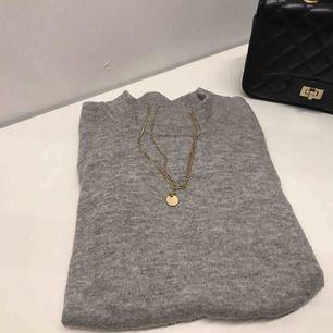 Jättefin stickad tröja från Gina! Bra skick men har blivit lite nopprig. Nypris: 200kr. Skriv om du är intresserad, du står för frakt!💕💘💖💗💓💞💝