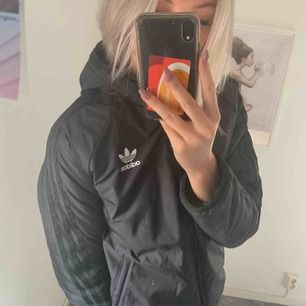 Varm jacka från Adidas