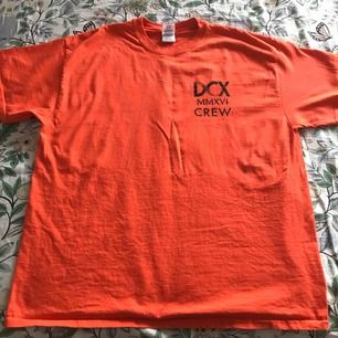 Crew t-shirt från DCX konsert.  100% bomull