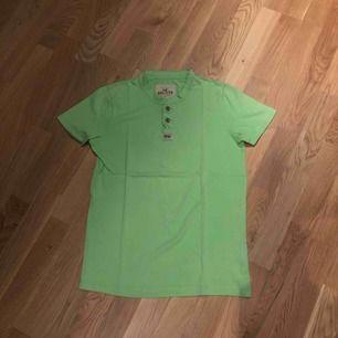 Hollister Tshirt, fint skick, knappt använd.