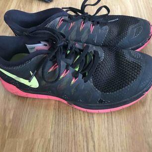Nike träningsskor i gott skick. Nypris 1100kr