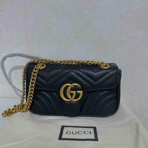 Gucci väska i skinn, storlek ca 22*13 cm     Aaaa kopia Köparen står för frakten