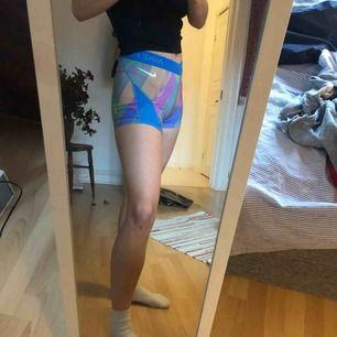 Knappt använda shorts från Nike som är supersnygga och passar superbra, de är inte mycket använda🥰