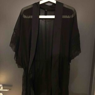 Fin oanvänd Kimono från Hunkemöller. Frakten inkluderad🌼