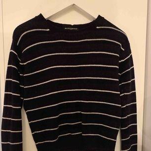 Brandy Melville tröja one size skulle själv säga XS/S  150 ink