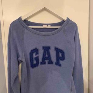 Gap sweatshirt xxxs köpt utomlands och skulle själv säga S  150 ink