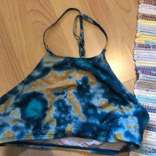 Supersnygg & cool bikinitopp från urban Outfitters!! Köparen står för frakt