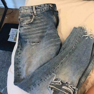 Behrska boyfriend jeans i fint skick köpta i london. Inklöpspris 399kr