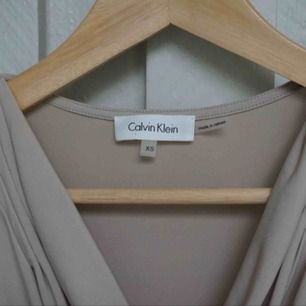 Calvin Klein linne.