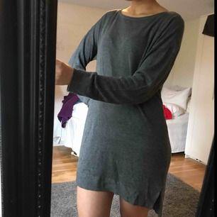 Mysig stickad klänning, knappt använd!