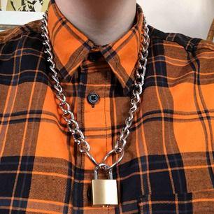 Sid Viciousinspirerat halsband 🗡 Frakten ingår i priset