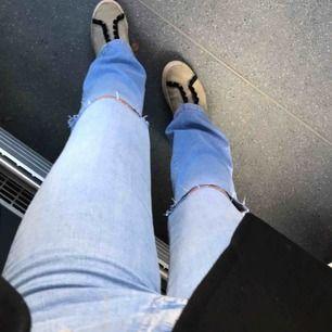 Helt nya och skit snygga bootcut jeans köpta för 600kr Frakt tillkommer🥰🌸