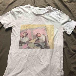 En t-shirt från hemsidan tresbien! Har nt använt så ofta, nypris var 400kr