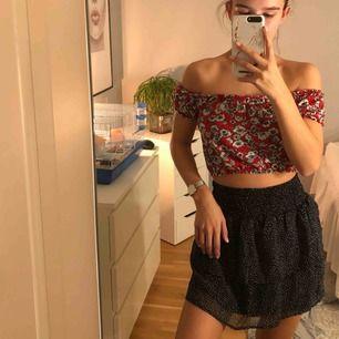 Jättefin top ⚡️ (säljer även kjolen i annan annons)💕