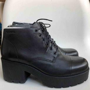 Oanvända boots från Vagabond. Köparen står för frakt.