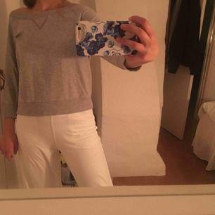 Of shoulder tröja från Filippa k storlek M, men passar mig perfekt som vanliga fall har S. Nypris: 250kr (Betalning+frakt)