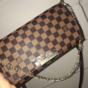 Louis Vuitton väska, dustbag ingår. Pris kan diskuteras.
