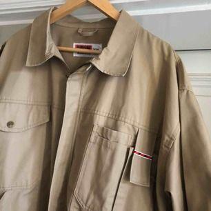 Vintage Jobman arbetsskjorta / jacka. Snygg med en fet hoodien under. Ser mer eller mindre oanvänd ut.