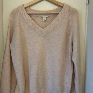 Stickad babyrosa oversized tröja från HM i storlek xs