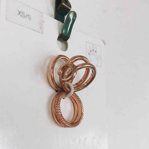 Oanvända ringar i roseguld.💖 Superfina, men har aldrig kommit till användning. Köpare står för frakt💖