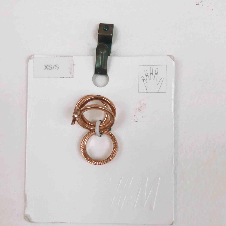 Oanvända ringar i roseguld.💖 Superfina, men har aldrig kommit till användning. Köpare står för frakt💖. Accessoarer.